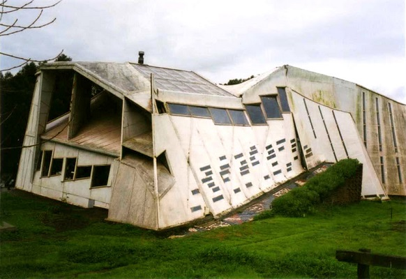 Errante guest house - Chile Unbelievable architecture projects: the good and the bad Unbelievable architecture projects: the good and the bad 34