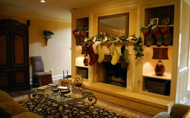 Mantel Christmas decorations: Make your house stand out Christmas decorations: Make your house stand out mantel