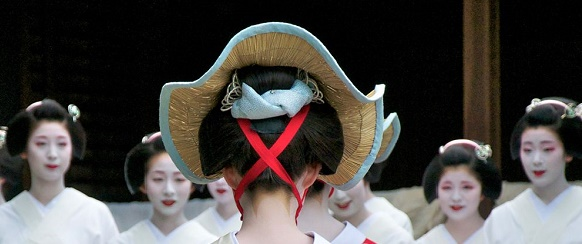 National Geographic's photo of the day: 9th December National Geographic's photo of the day: 9th December maiko geisha japan 73868 990x7421  Home maiko geisha japan 73868 990x7421