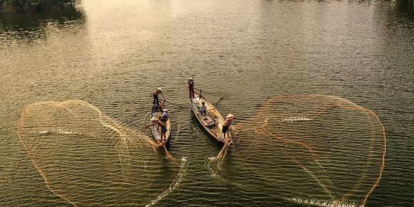 """Natio National Geographic's photo of the day: 21st May National Geographic's photo of the day: 21st May fishermen nets vietnam river 79789 990x7421"