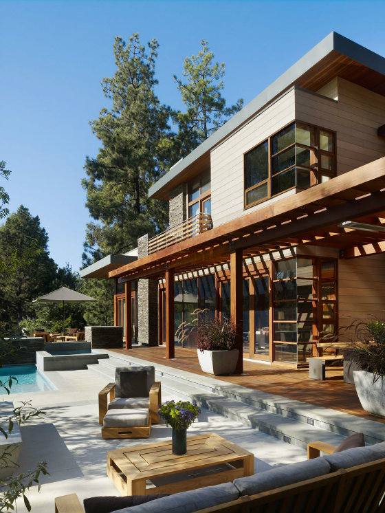 Freshome tour in a Refined Home Design Settled Between Trees