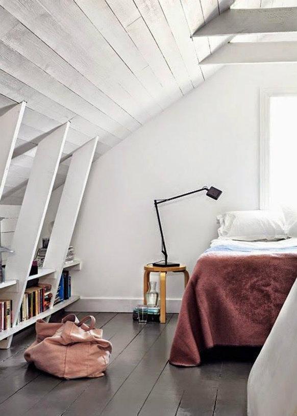 Marsala bedroom décor ideas – Pantone color 2015 Marsala bedroom décor ideas – Pantone color 2015 Marsala bedroom décor ideas – Pantone color 2015 une chambre blanche avec un lit couleur marsala pantone