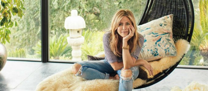 Jennifer Aniston in the Cover of Architectural Digest March Issue
