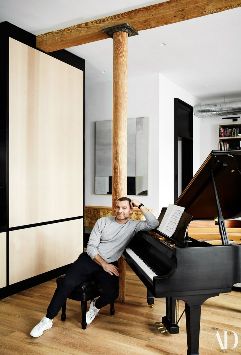 Peek Liev Schreibert Peek Liev Schreibert Triplex Apartment in Manhattan's NoHo District 579 AD Schreiber PORTRAIT02 085 02 02