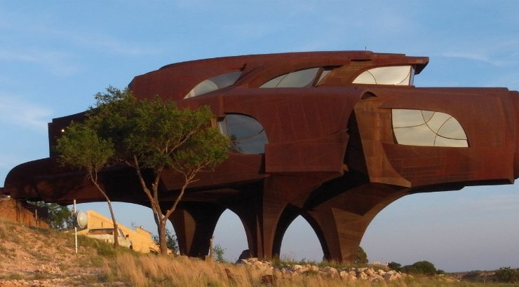 5 of the Strangest and Most Futuristic Houses in the World