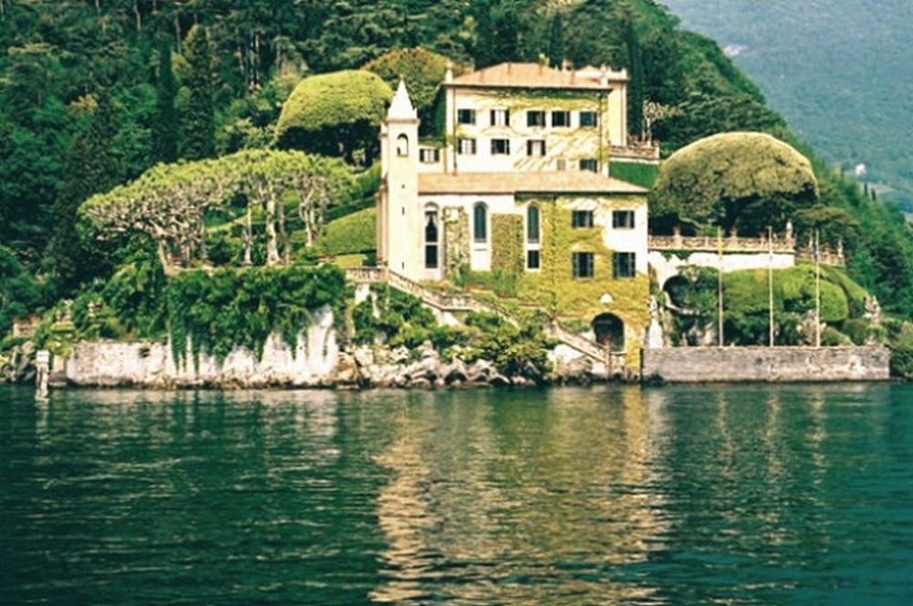 An Inside Tour Into One Of The George Clooney Lake Como Mansions George Clooney Lake Como Mansion An Inside Tour Into One Of The George Clooney Lake Como Mansions An Inside Tour Into One Of The George Clooney Lake Como Mansions 82