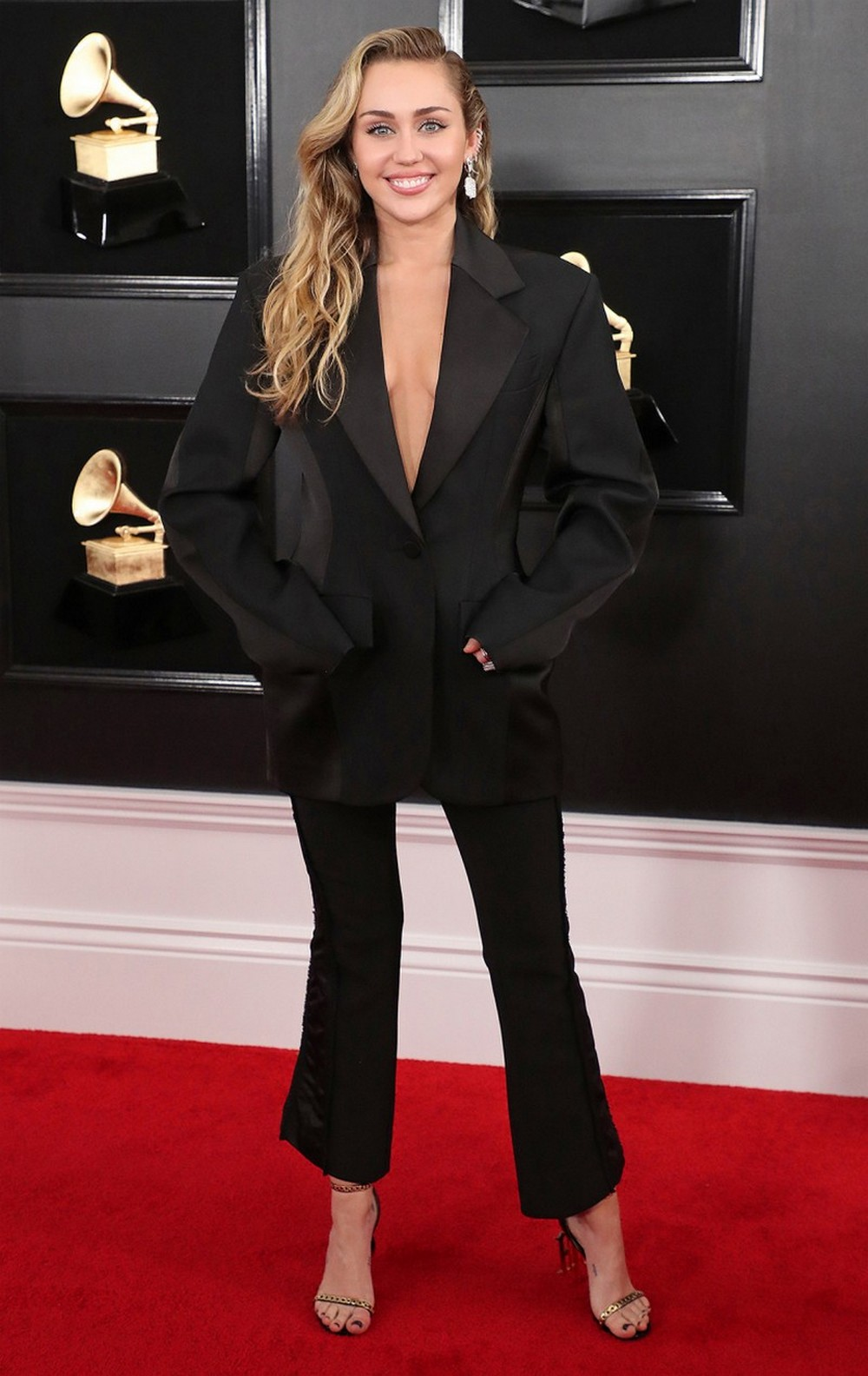 CovetED Reveals The Best High-Fashion Looks Of The 2019 Grammys 2019 grammys CovetED Reveals The Best High-Fashion Looks Of The 2019 Grammys CovetED Reveals The Best High Fashion Looks Of The 2019 Grammys 3