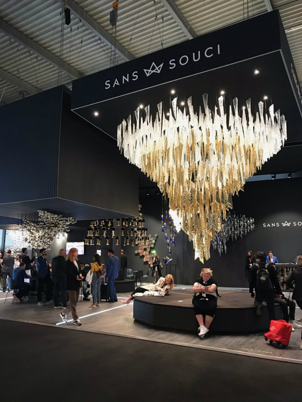 5 Incredible Lighting Stands That Surprised In Euroluce 2019 euroluce 2019 5 Incredible Lighting Stands That Surprised In Euroluce 2019 5 Incredible Lighting Stands That Surprised In Euroluce 2019 4