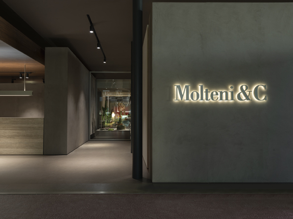 Molteni & C, The Mid-Century Wonder At Salone Del Mobile 2019 molteni & c Molteni & C, The Mid-Century Wonder At Salone Del Mobile 2019 SDM19 MolteniC booth 02 LR
