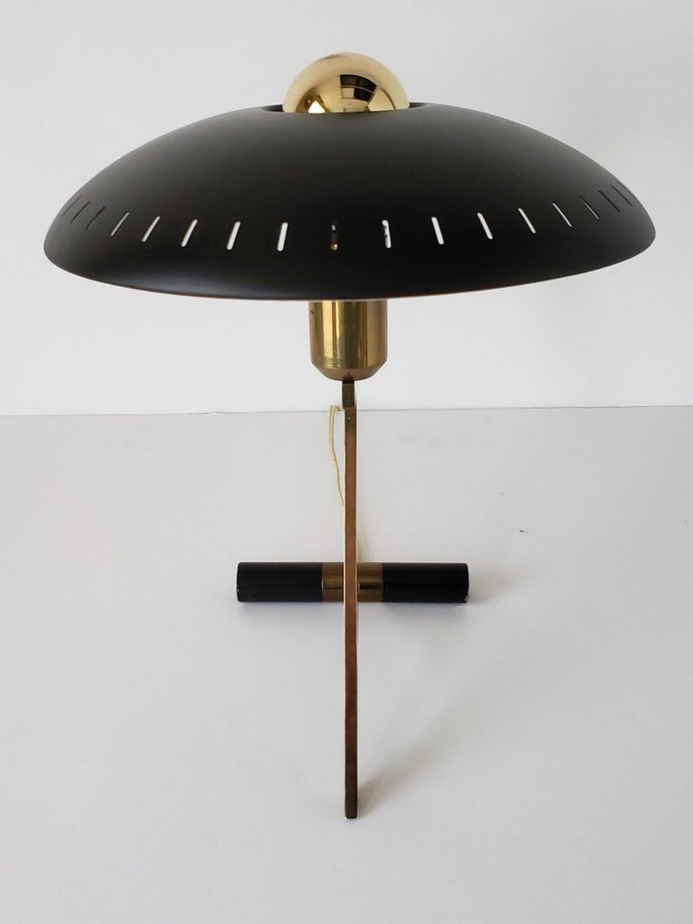 7 Bespoke Table Lamp Designs That Are At The 1stdibs Online Store 1stdibs 7 Bespoke Table Lamp Designs That Are At The 1stdibs Online Store 7 Bespoke Table Lamp Designs That Are At The 1stdibs Online Store 5