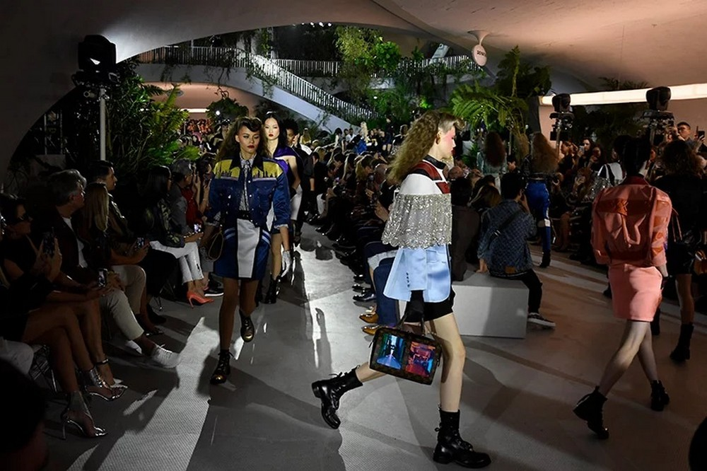 Architectural Digest Unvailed The First Photos Of Louis Vuitton's Show architectural digest Architectural Digest Unvailed The First Photos Of Louis Vuitton's Show Architectural Digest Showcased The Louis Vuitton 2020 Cruise Runway 5