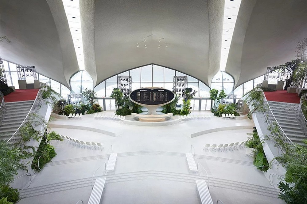 Architectural Digest Unvailed The First Photos Of Louis Vuitton's Show architectural digest Architectural Digest Unvailed The First Photos Of Louis Vuitton's Show Architectural Digest Showcased The Louis Vuitton 2020 Cruise Runway