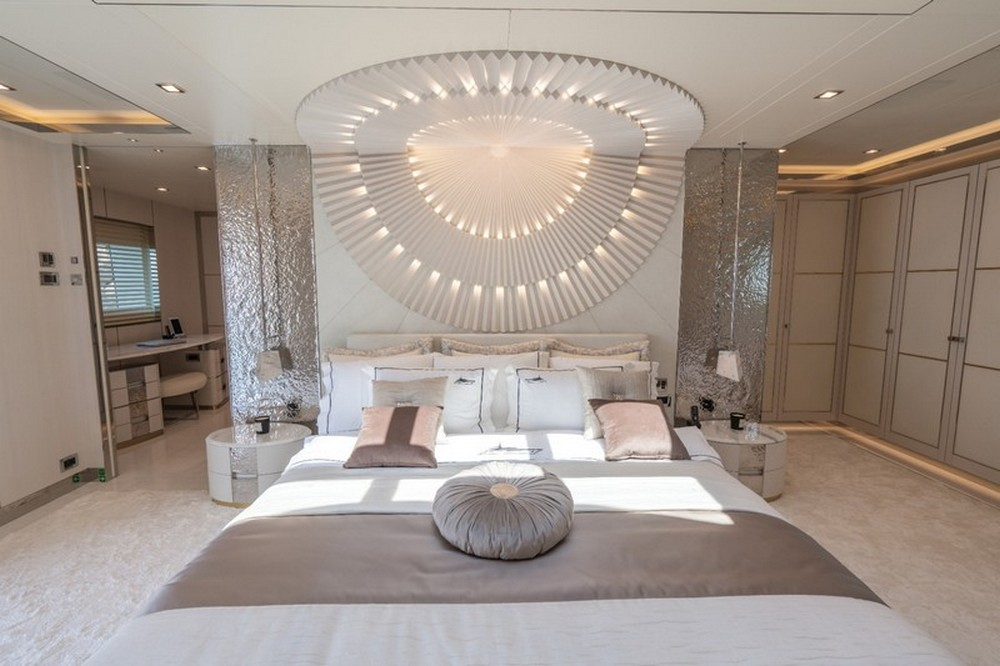 Inside The Luxury Design Of The Sophisticated Lilium Yacht! luxury design Inside The Luxury Design Of The Sophisticated Lilium Yacht! Inside The Luxury Design Of The Sophisticated Lilium Yacht 2