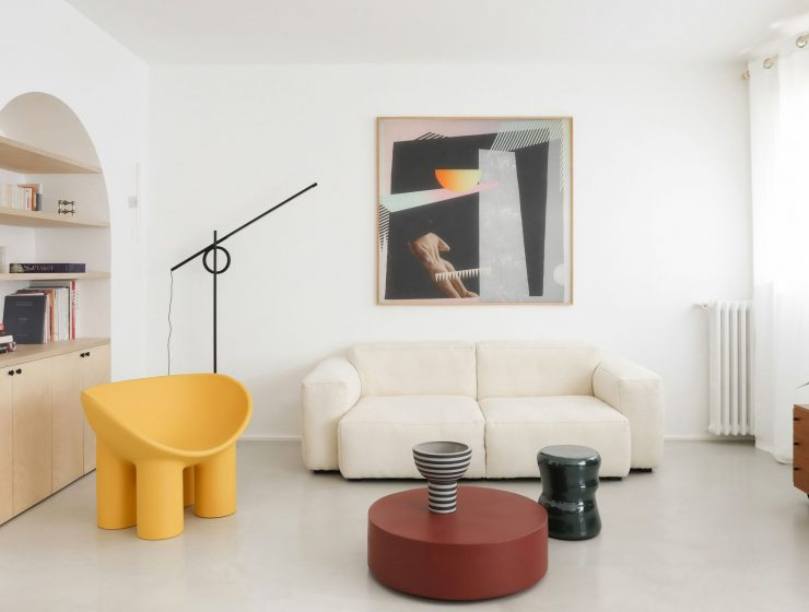 minimalist interior design Minimalist Interior Design: Fall In Love With This 70's French Apartment  5a92414b3918937d50f10215cd4ca617 740x560