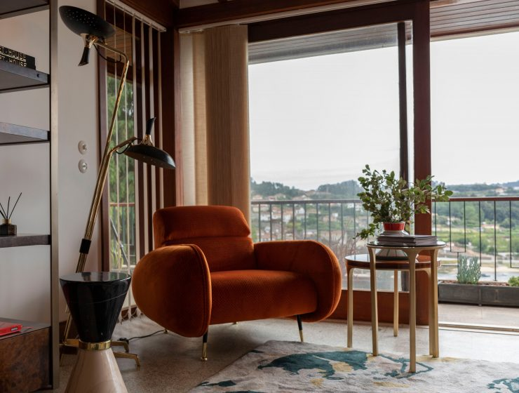 mid-century modern house Inside Tour On The Trendiest Mid-Century Modern House In Porto pZHqacDg 740x560