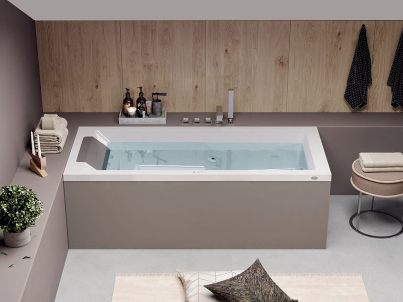 bathtubs 13 Bathtubs That Will Transform Your Bathroom 6 8 800x600 1